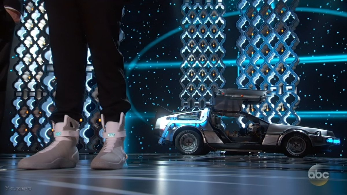 Seth Rogen in Air Mags with the BTTF DeLorean in the background https://t.co/8p8BI1K0iy