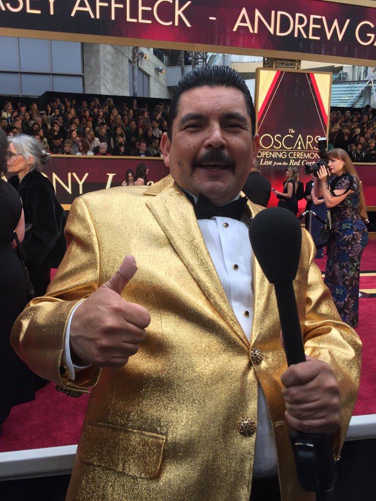 I am at the Oscars https://t.co/5TaFRKRjgw