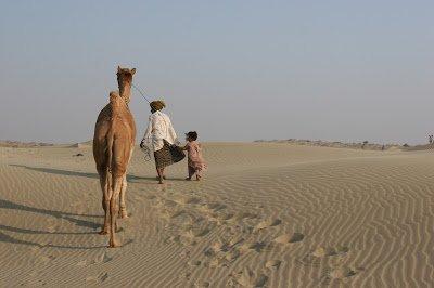 In the White Desert https://t.co/x5G98o8Po2 #Sindh, #Thar, #Travel htt...