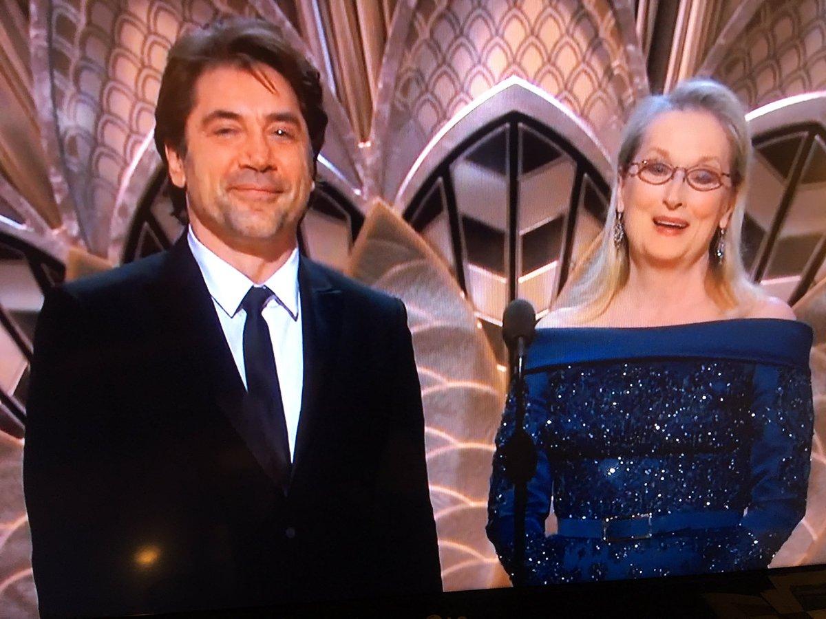 Qué buena pareja en el escenario. Javier Bardem confesando su admiraci...