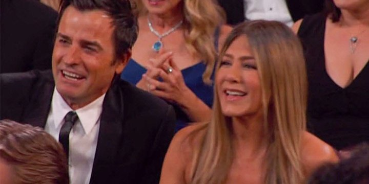 Jennifer Aniston dazzles at the #Oscars in sparkling high-slit gown ht...