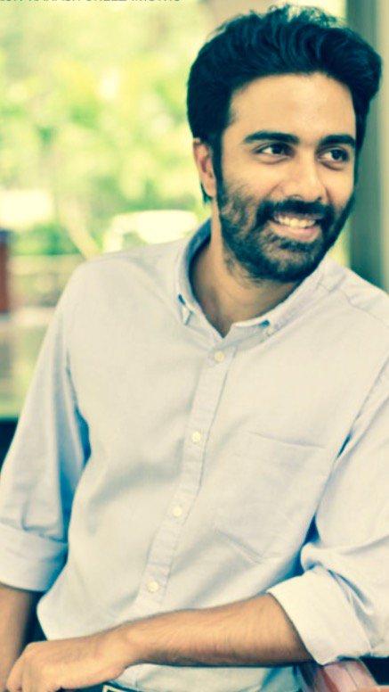 The maiden production of  @auraacinemas starring Veera is titled as '#ArasiyalaIdhellamSaadharanamappa' @menongautham @itssuriya https://t.co/wySEGZ6DkU
