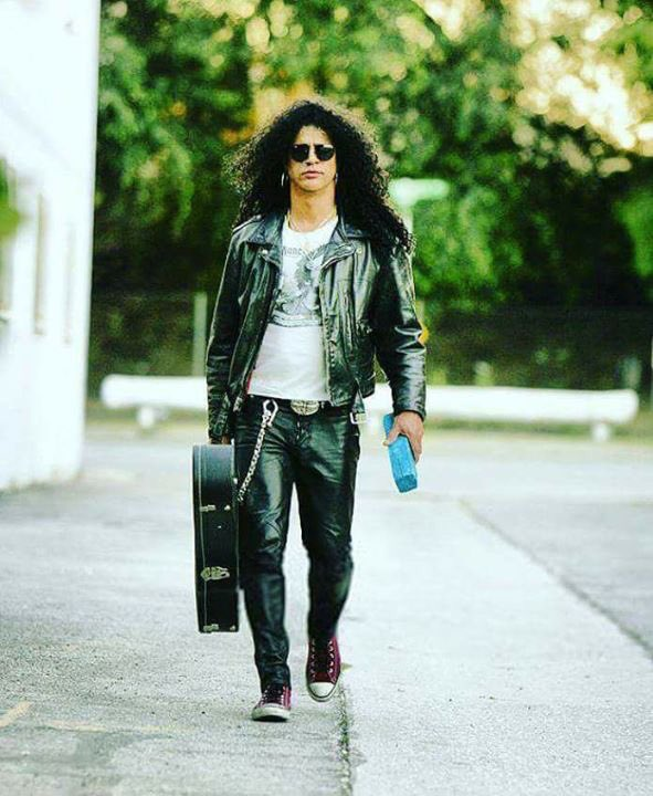 Happy #monday #Slasher! @slash #Slash #TheBoss #TopHat #GuitarLegend #Gibson #LesPaul #SaulHudson #GnFnR #SMKC #Cool #Rocker #RnFnR<br>http://pic.twitter.com/A0Qc1njk5k