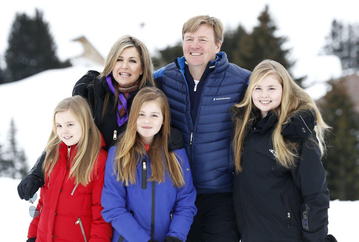 Зимняя фотосессия семьи королевской четы Нидерландов в Австрии