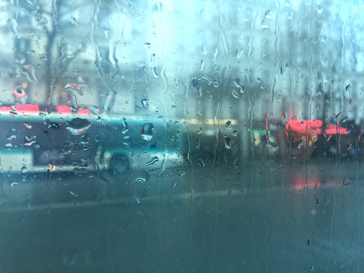 &quot;Rainy days and Mondays always get me down&quot; #carpenters #rain #pleut #Paris #monday<br>http://pic.twitter.com/MyCuVZRYnw