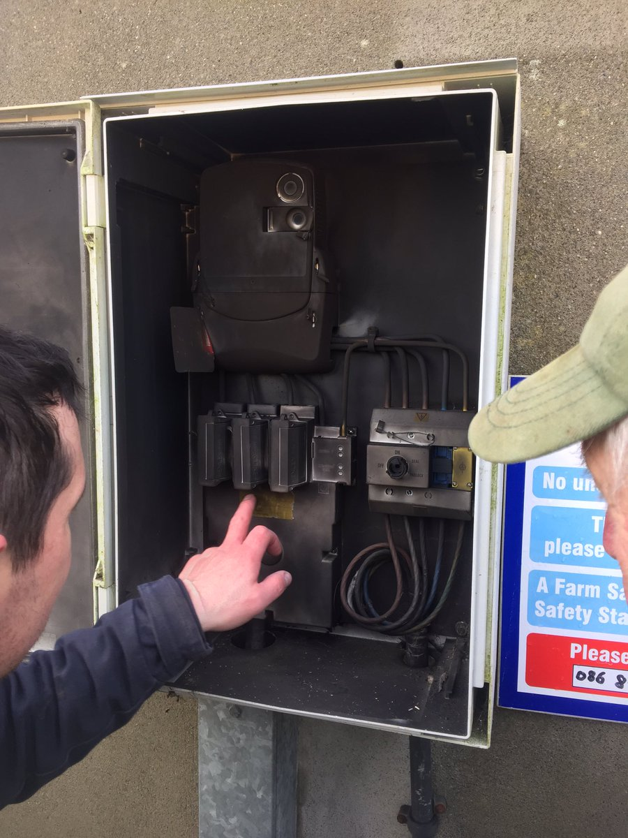 Denis Odonovan On Twitter Rough Am Here With Lightning Blowing Blown Electrical Fuse Box Our Transformer And Luckily The 7k To Drive Generator Basteredweather