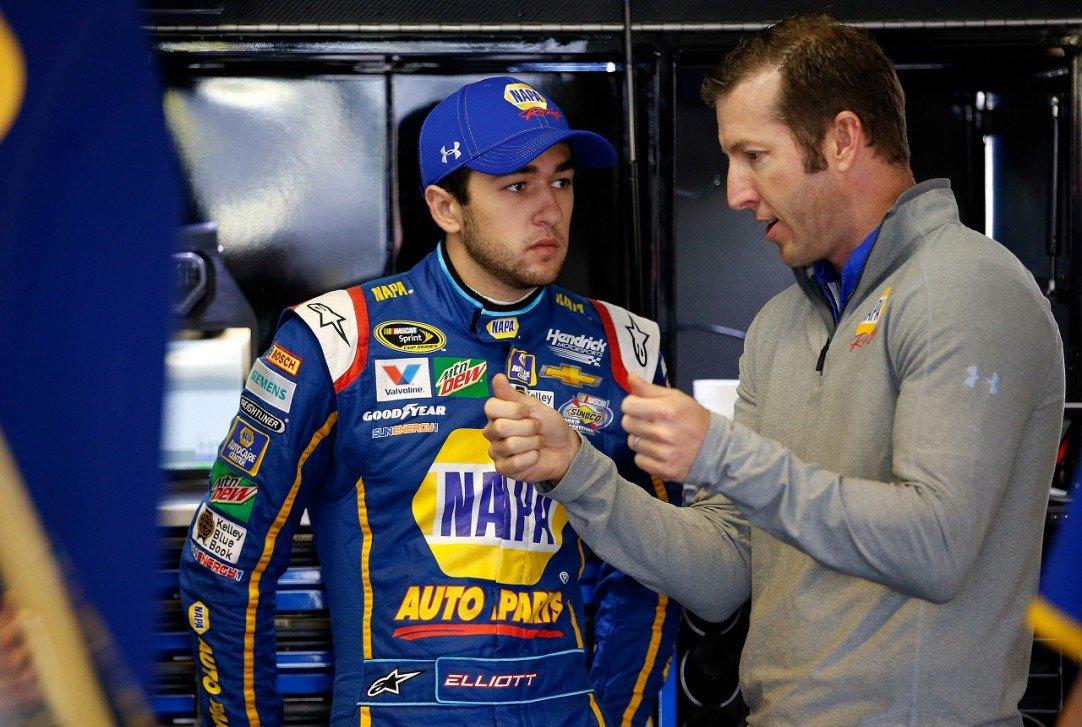 #NASCAR - Chase Elliott, si prêt, si loin  http:// dlvr.it/NVCNsJ  &nbsp;   - via @usracingcom<br>http://pic.twitter.com/8udzFdUn7w