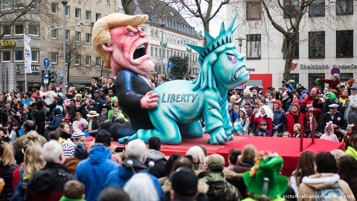 German #Carnival is back with a vengeance, ridiculing the likes of Trump, Le Pen, and Merkel  http:// dw.com/p/2YKuC?maca=e n-tco-dw &nbsp; …  #Rosenmontag <br>http://pic.twitter.com/O6OosJlaMA