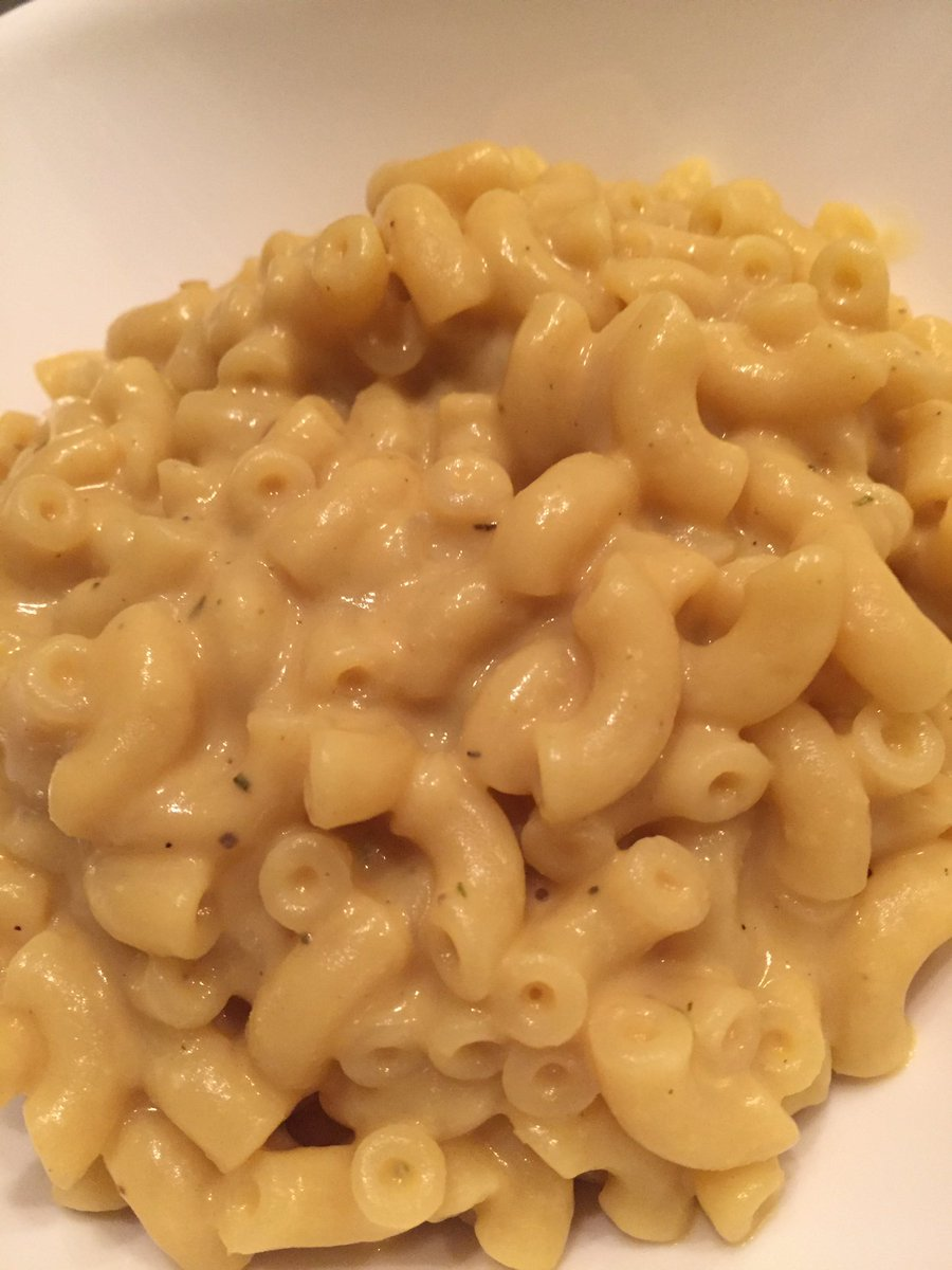 I just made @stonerxspice herby Mac n cheese and it's SO GOOD. The thy...