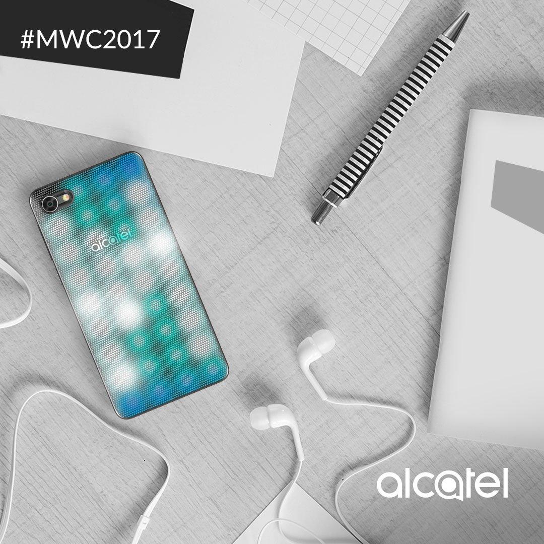 Pon el ambiente en donde estés. El LED cover del Alcatel A5 crea un increíble show de luces al ritmo de tu música. #MWC2017 https://t.co/z9lPQCH9UK