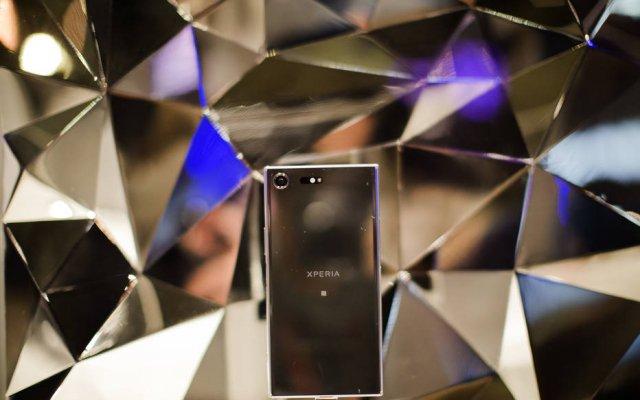 Sony anuncia celular com supercâmera lenta e tela 4K HDR https://t.co/...