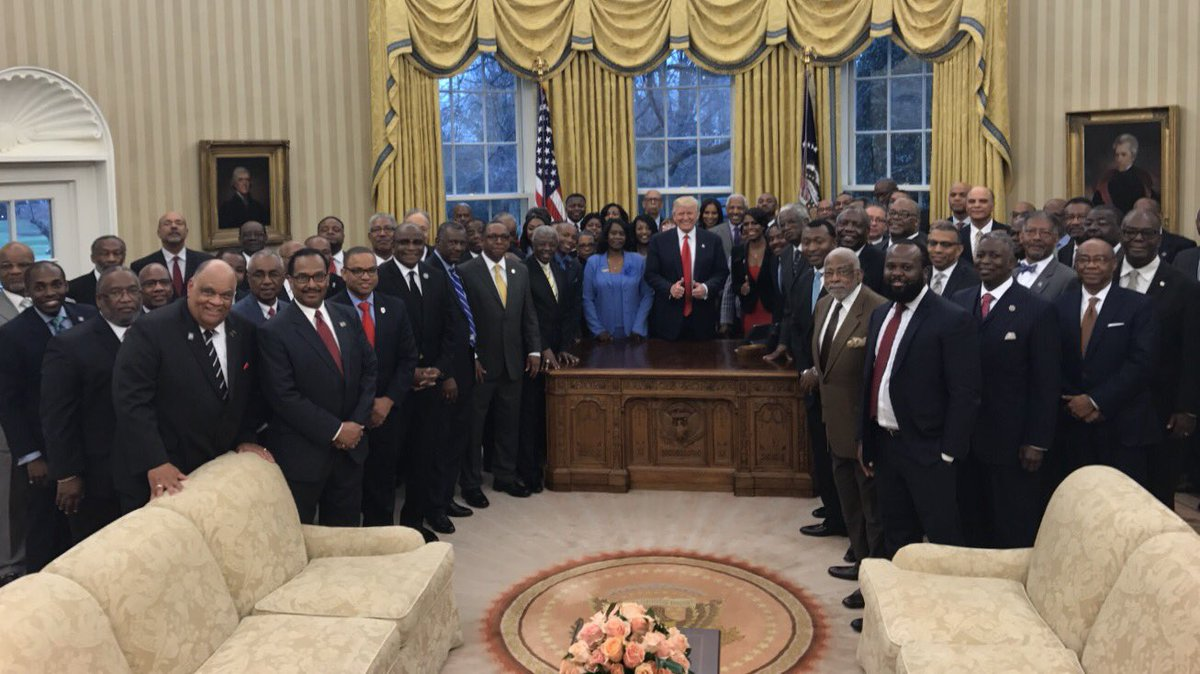 .@POTUS @realDonaldTrump with HBCUs amazing educators in the Oval Offi...