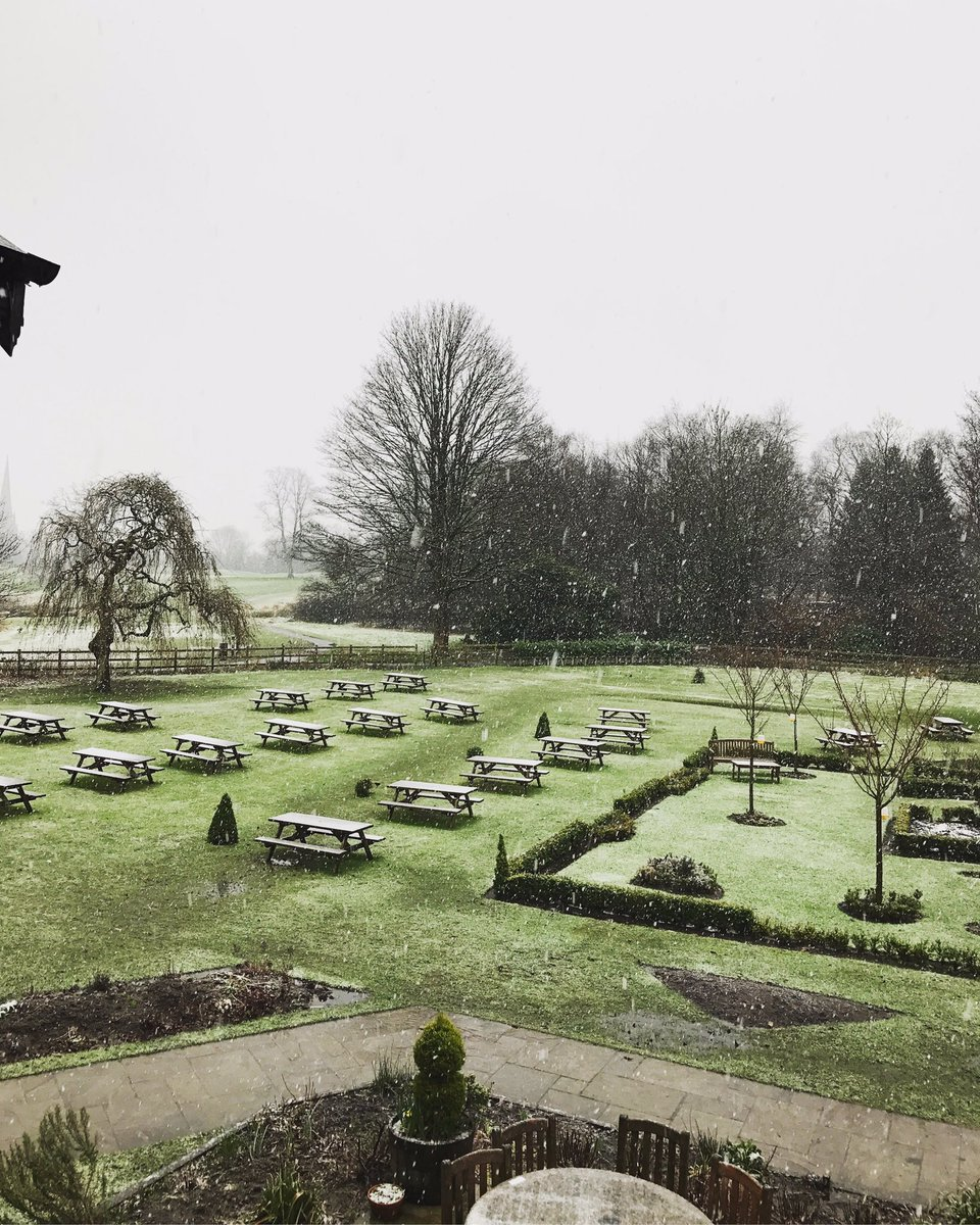 SNOW IN FEB?❄️ Come and curl up next to our toasty open fireplaces and enjoy a pot of tea or coffee to brighten up your day. #worsleyoldhall https://t.co/mLjg1OWSHr