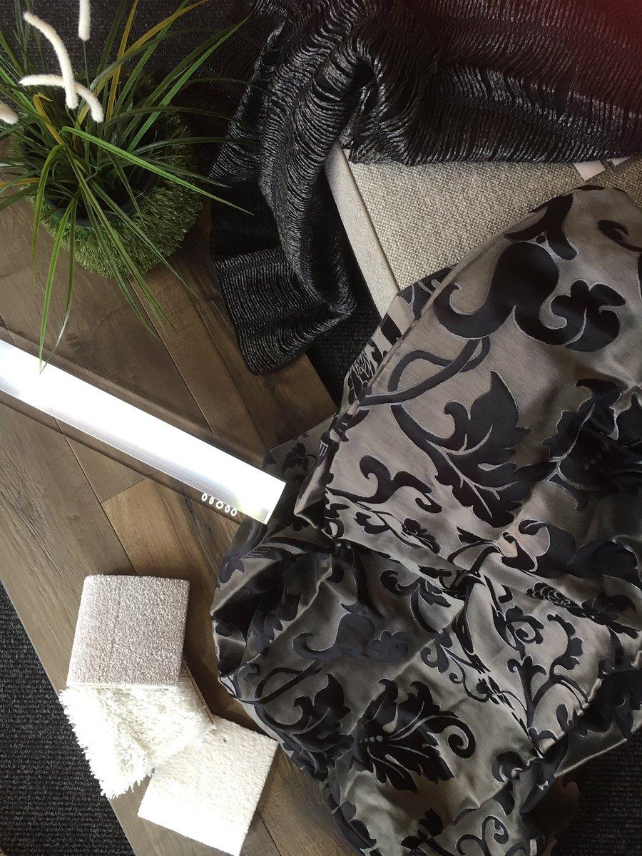 raumausstatter on. Black Bedroom Furniture Sets. Home Design Ideas