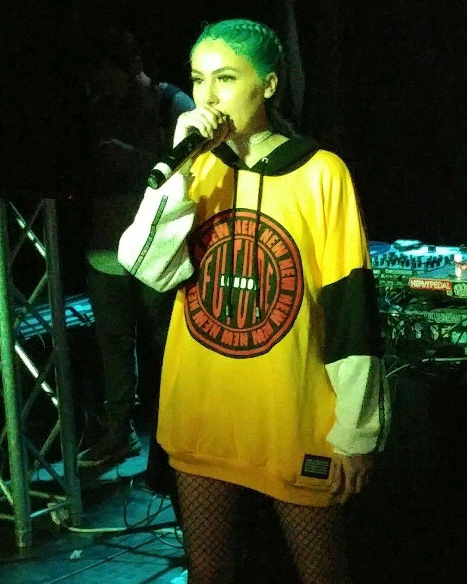 @L1LDebbie was lit af tonight in Phoenix!!! #Queen #Debbie #420  <br>http://pic.twitter.com/UHeiMs7BZL
