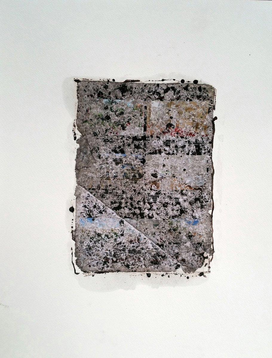 #Sous les #bombes;#collage #prospectus #frappé et #encre sur #papier<br>http://pic.twitter.com/U1KgC79IcY