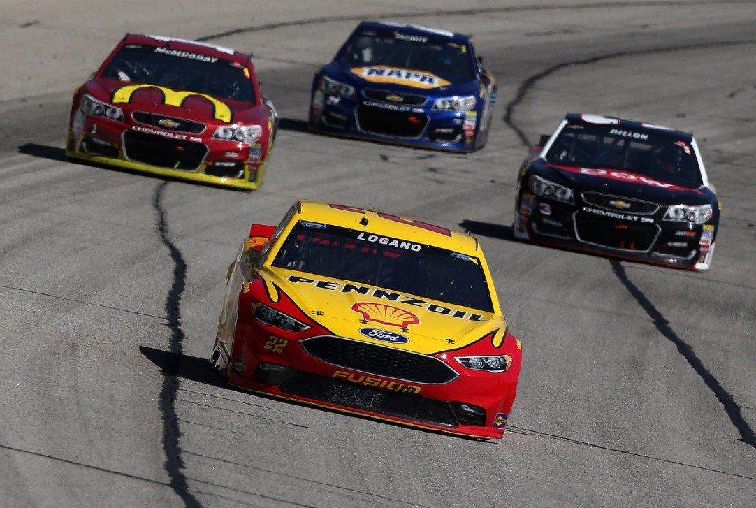 #NASCAR - Folds of Honor Quik Trip 500 - Les engagés  http:// dlvr.it/NVVJ83  &nbsp;   - via @usracingcom<br>http://pic.twitter.com/8R303cZPtj