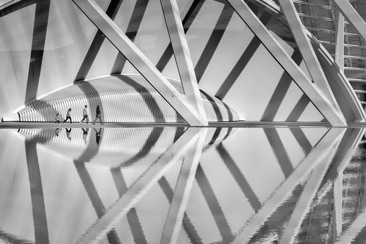 Some nice work with reflections by @TS446photo makes it onto this week's #WexMondays shortlist https://t.co/TndKSzJASR