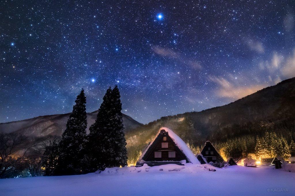 雪あかり。星あかり。(岐阜県、白川郷にて先日撮影)今日もお疲れさまでした。明日もおだやかな1日になりますように。 pic.twitter.com/zJKTH2pBUB