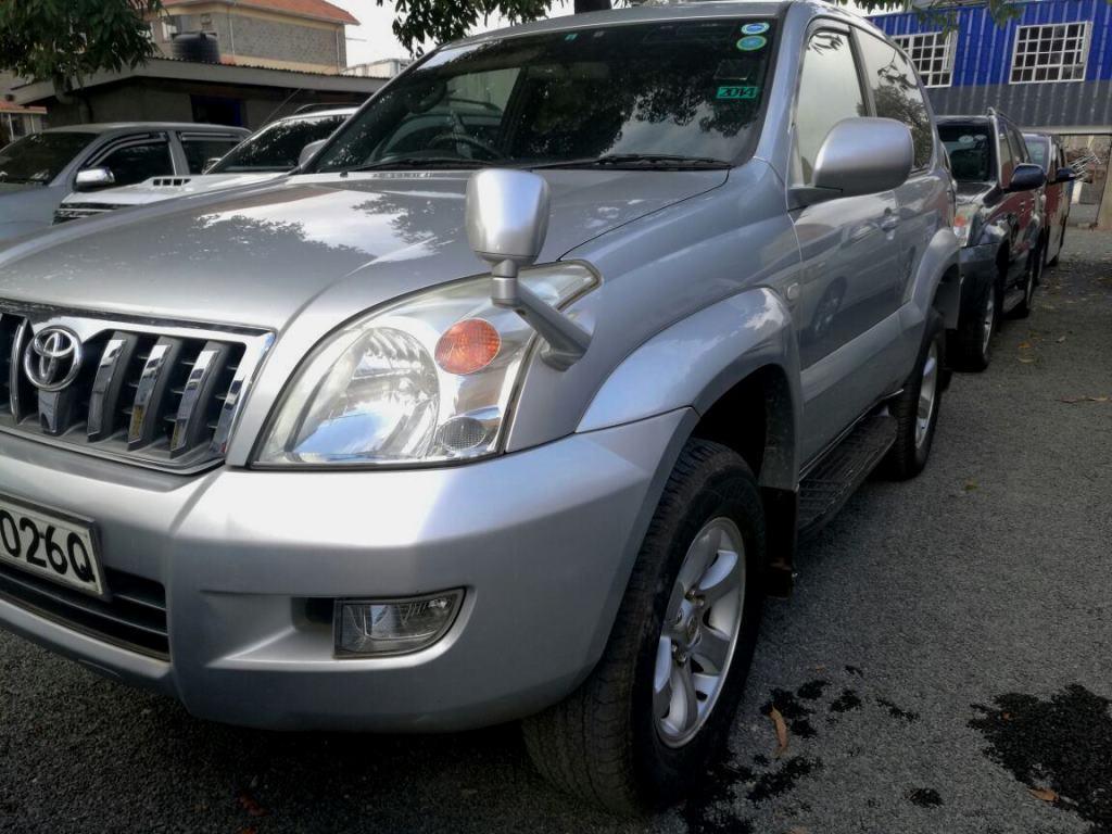 Toyota Prado 2006 model 2700 cc Petrol automatic 3 doors Very clean 1.79M Trade in OK 0718555666 http://www.aplusmotors.biz pic.twitter.com/i6RToUZ7yy