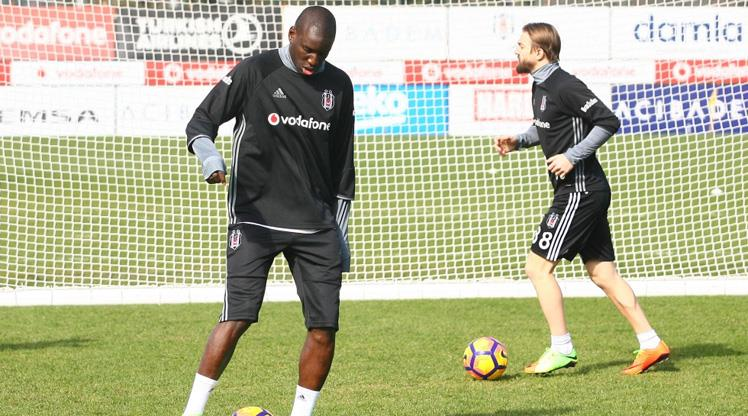 Beşiktaş'ta Demba Ba ve Caner Erkin sevinci... https://t.co/3wvuBjNmWm...