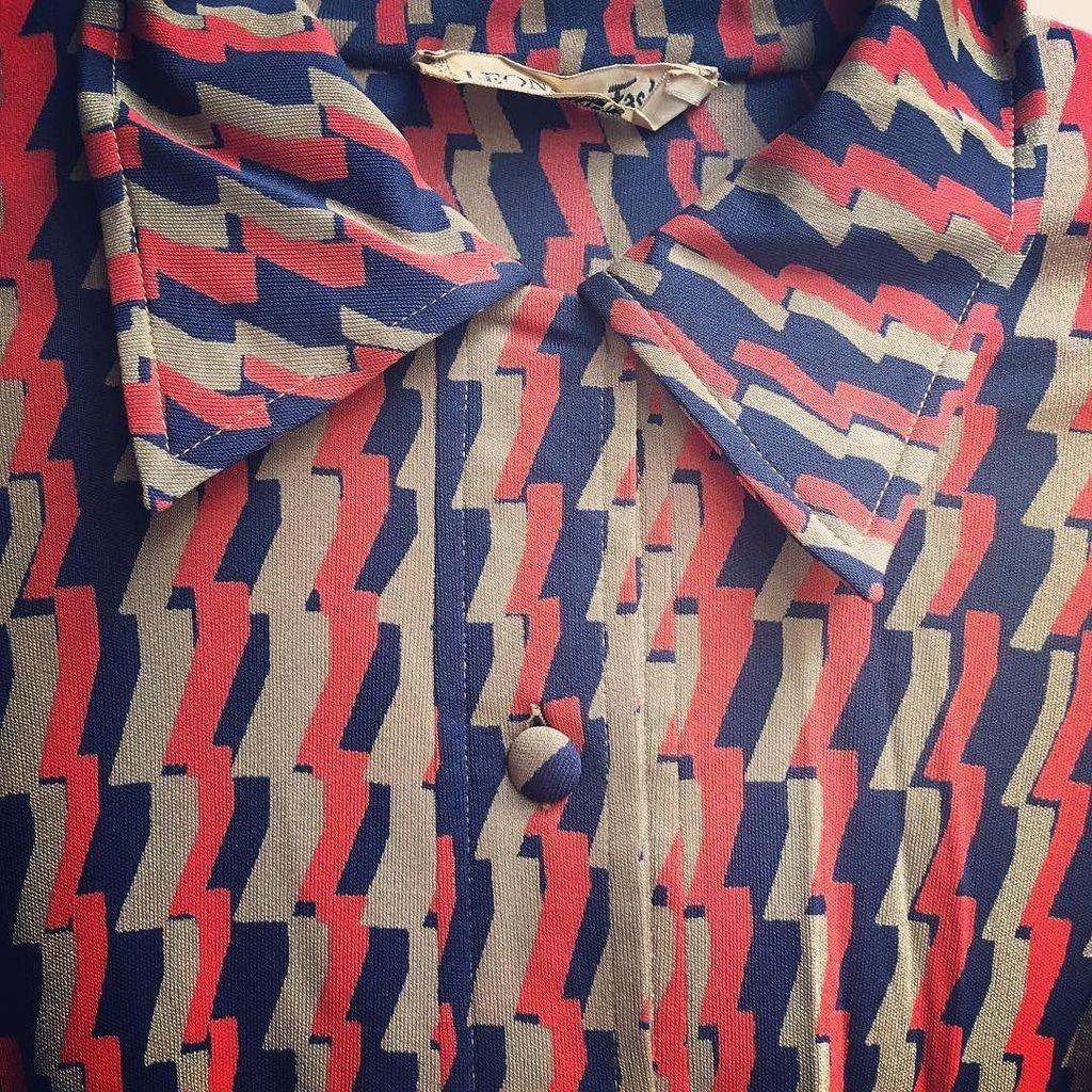 #Leonard à venir!!! Robe #vintage #soie #seventies  #friperieparis #Rosemarketvintage #rue…  http:// ift.tt/2m2z4SX  &nbsp;  <br>http://pic.twitter.com/gHHiNTT1yq
