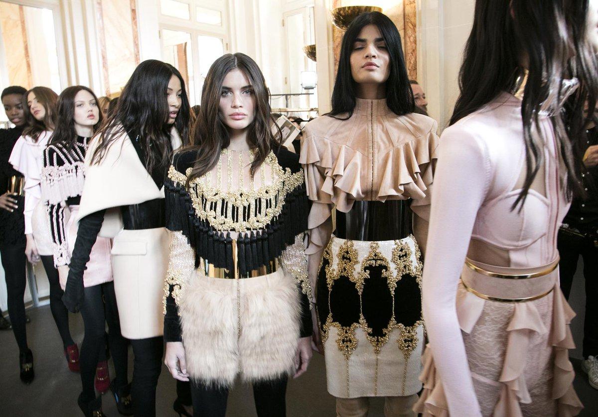 #Mode C'est parti pour la Fashion week parisienne  http:// dlvr.it/NVdFqP  &nbsp;  <br>http://pic.twitter.com/gKr5VTP8x1