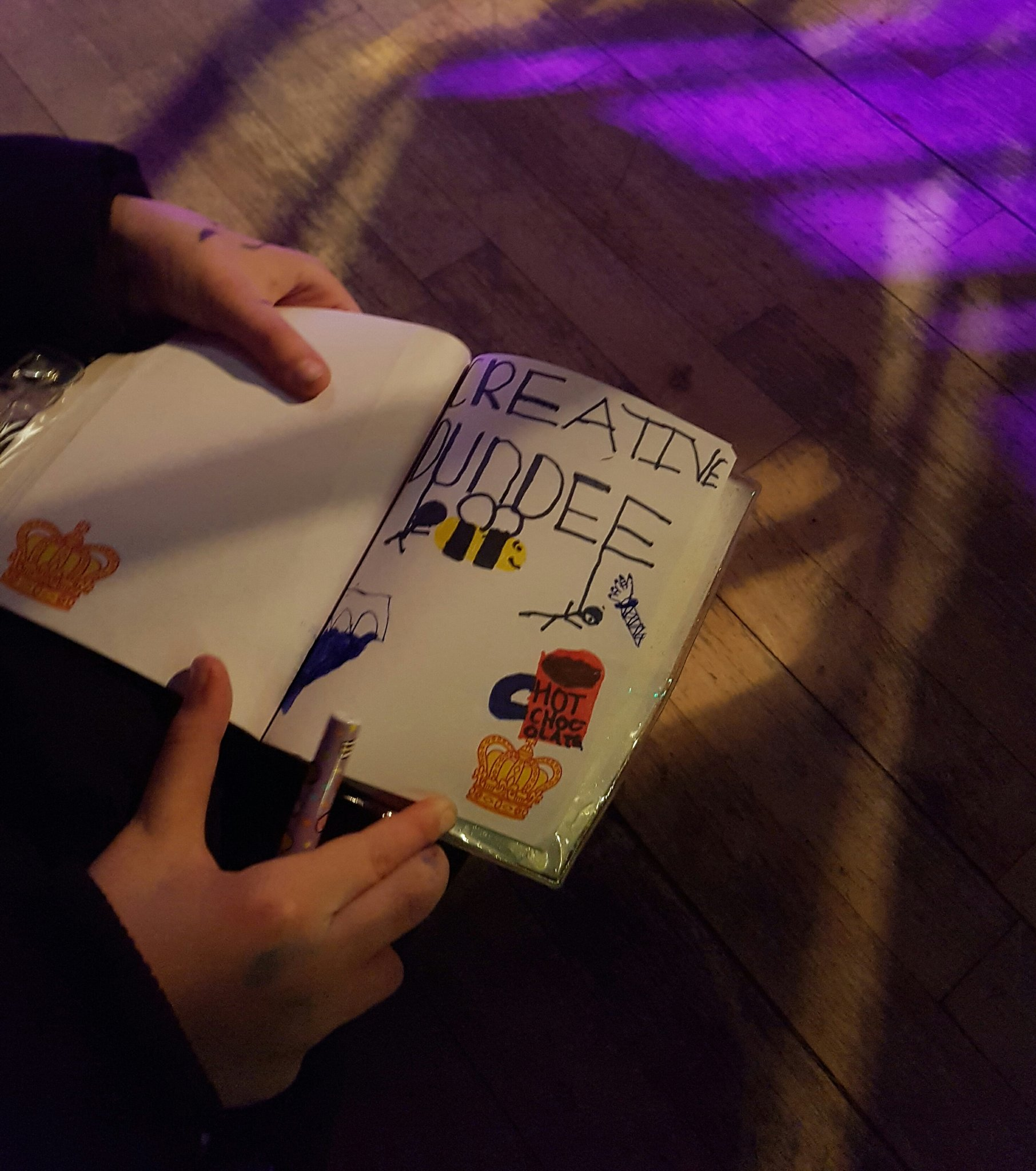 A young Dundee artist live drawing @Creative_Dundee #PKN_DND proceedings https://t.co/HZlVHyKVIV