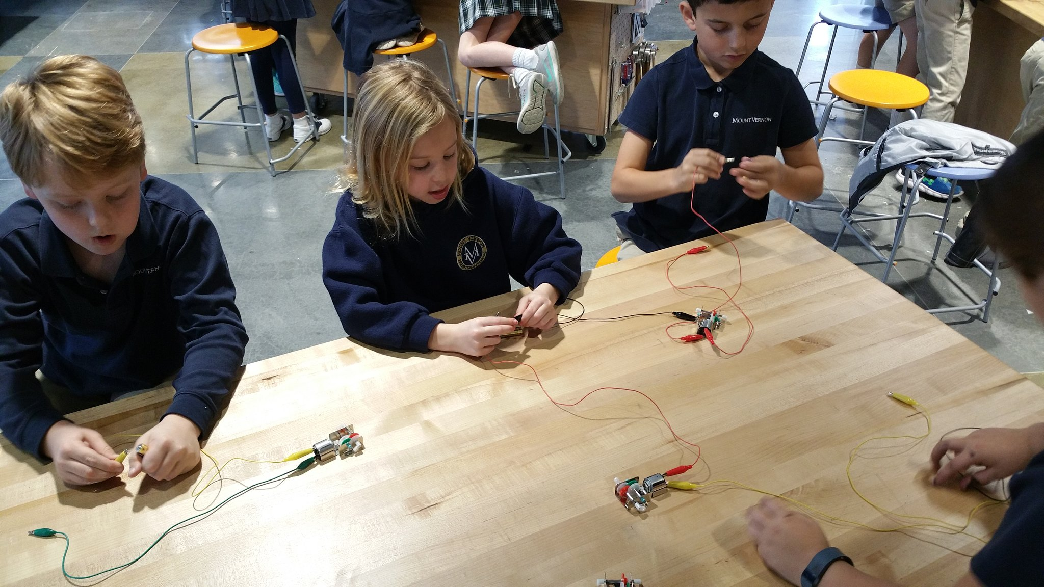 S1: It stopped working! S2: Let's tinker with it then to find out why. #kidquote #MakerEd explorations with gearboxes & motors. #MVPSchool https://t.co/6df1BbFoAf
