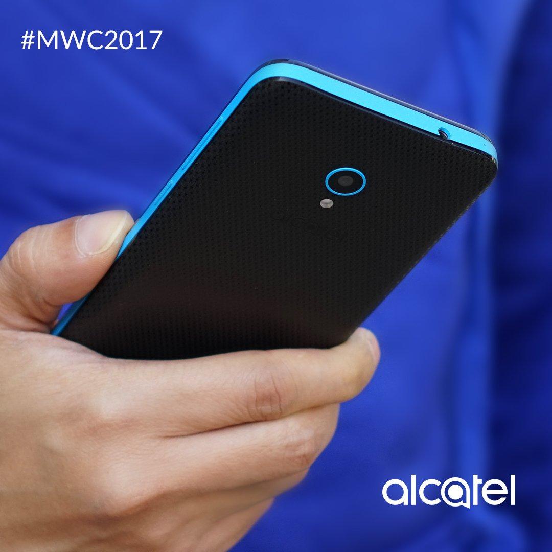 Un teléfono que se siente tan bien como se ve, descubre el Alcatel U5 con micro textura. #MWC2017 https://t.co/4F9B241RB7