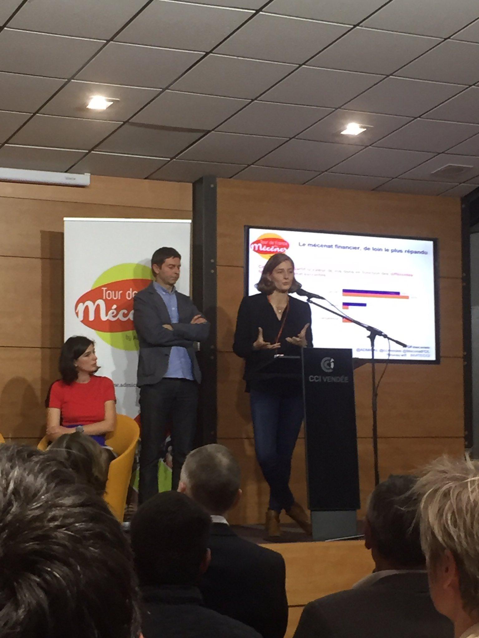 """@Camille_Marc """"il y a recentrage des actions de mécénat sur le territoire local à 78 % """" #tdfmecenes @mecenatpdl https://t.co/Jrpud0Hh9d"""