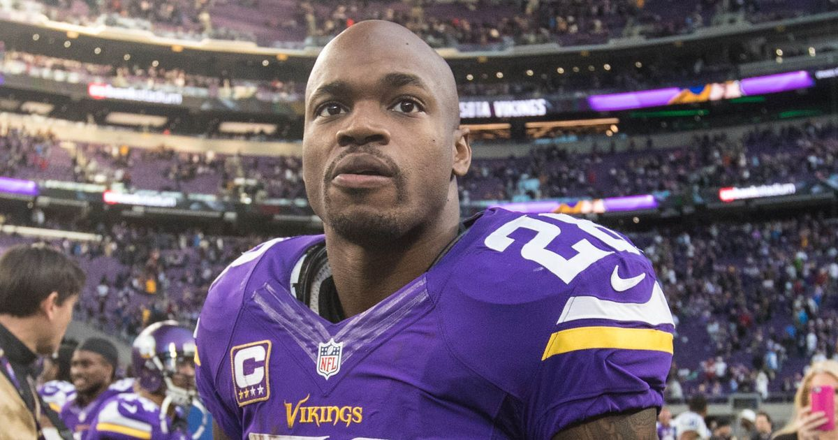 Adrian Peterson's fancy footwork has fans salivating over his free agency