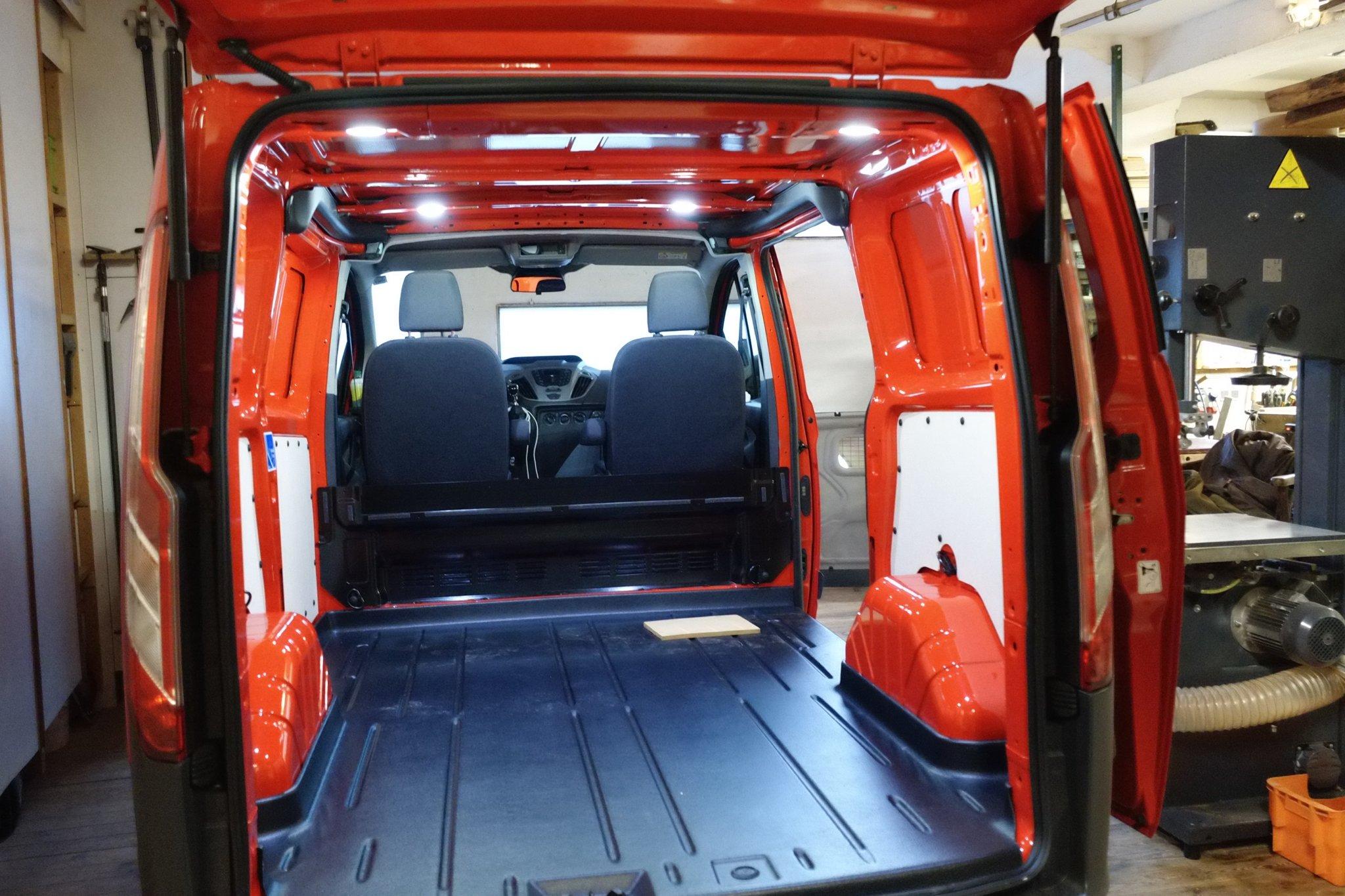 Unser Walzmobil Matilda wird ausgebaut. Anfangsstadium #meurers https://t.co/RjdJQFRj46