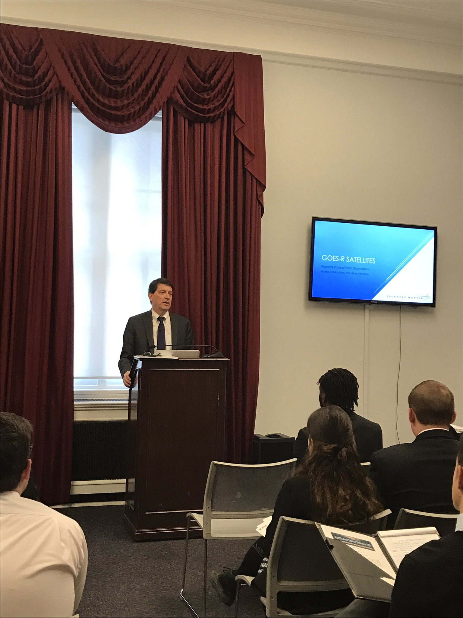 @LockheedMartin Jamie Hawkins  @ Earth and space science Caucus briefing Weather satellites save lives and money #scienceisessential https://t.co/2sRiiIHWYD