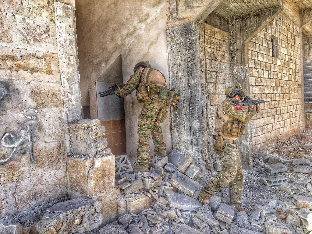 Guerre Civile en Syrie ( LISEZ LE PREMIER POST ! ) - Statut spécial  - C5xpB3dWMAEmC_W