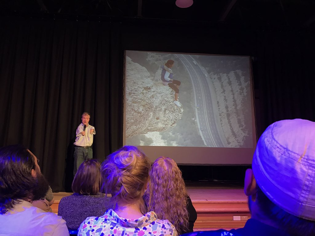 Next up, Miles Harrison talks about escaping the comfort zone... that photo makes a lot of the audience uncomfortable 😣 #PKN_DND https://t.co/EA8zRLS2ZG