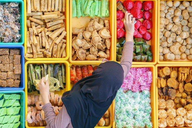 Colourful Malaysian Kuih.  #MalaysiaTrulyAsia #TourismMalaysia https://t.co/PhGlfHfs9x