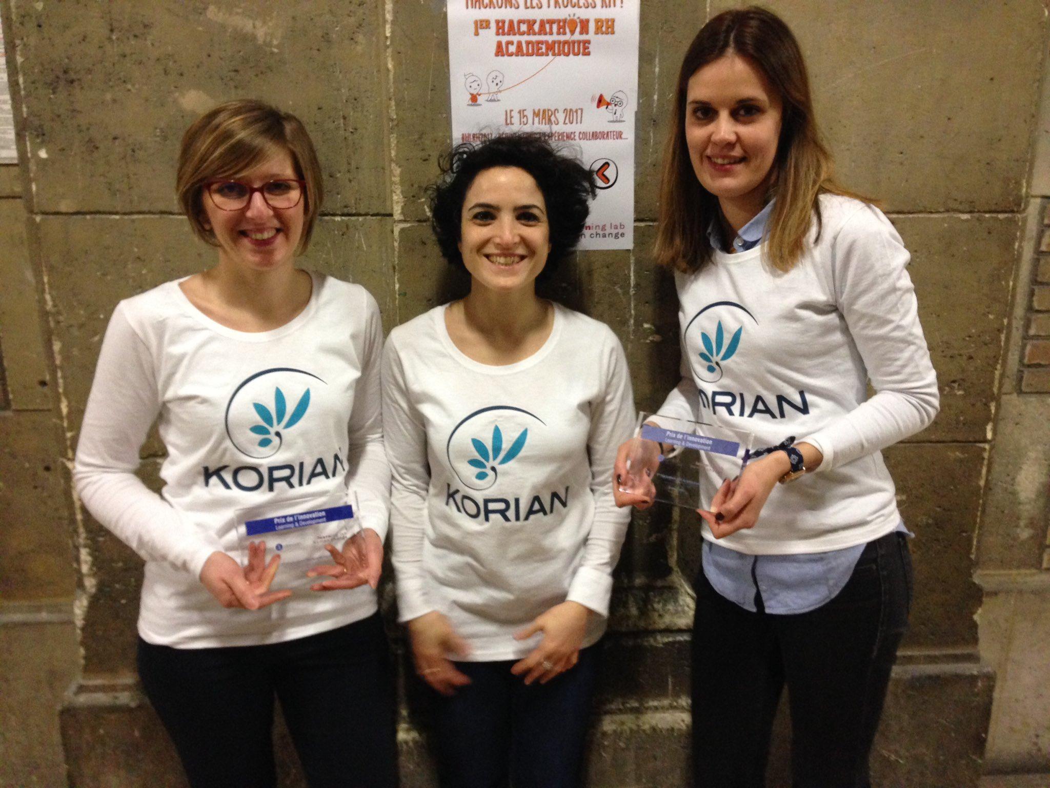 Célia, Estelle, Ophelie (abs. de la photo malheureusement 😢) et moi. #dreamteam @_Groupe_Korian !!!! Fières de nos 2 prix ! #hlrh2017 😊 https://t.co/64G6z6RHsN