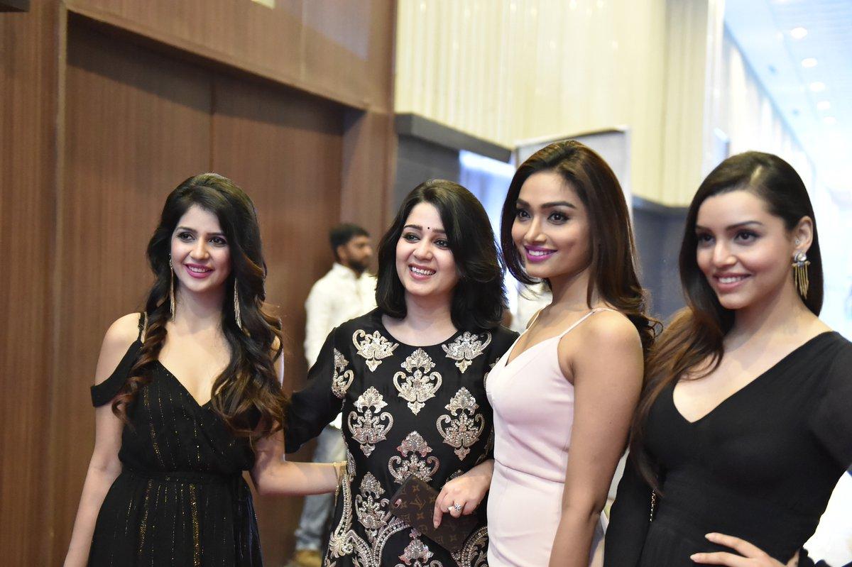 "puri connects on twitter: ""our girls @aishwaryadevan3 @kyradutt"