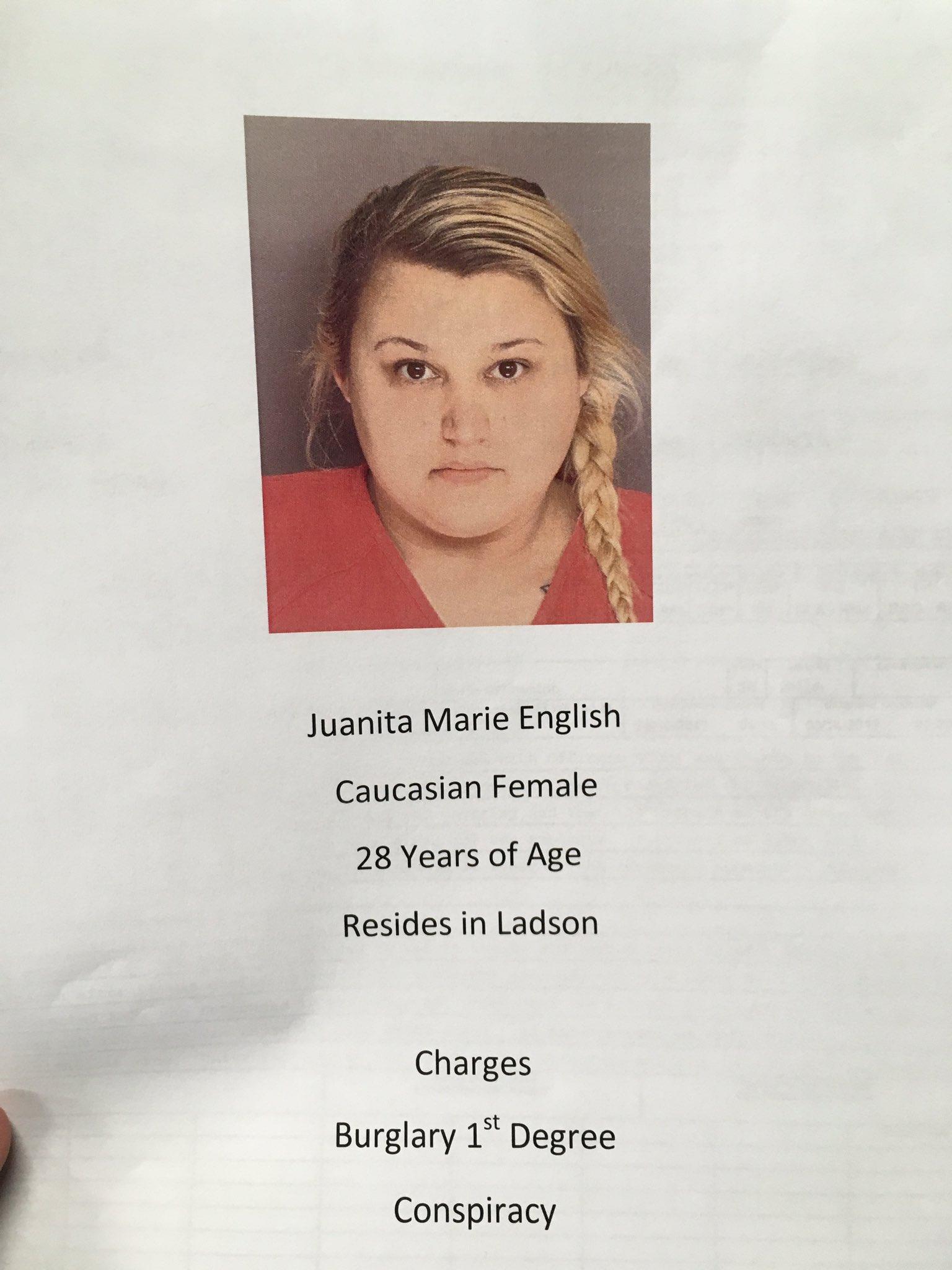 Ollic says Juanita English has been charged w/ burglary 1st degree & conspiracy. Went to door posing as an HOA member seeking info. #chsnews https://t.co/PikvX0tgCC
