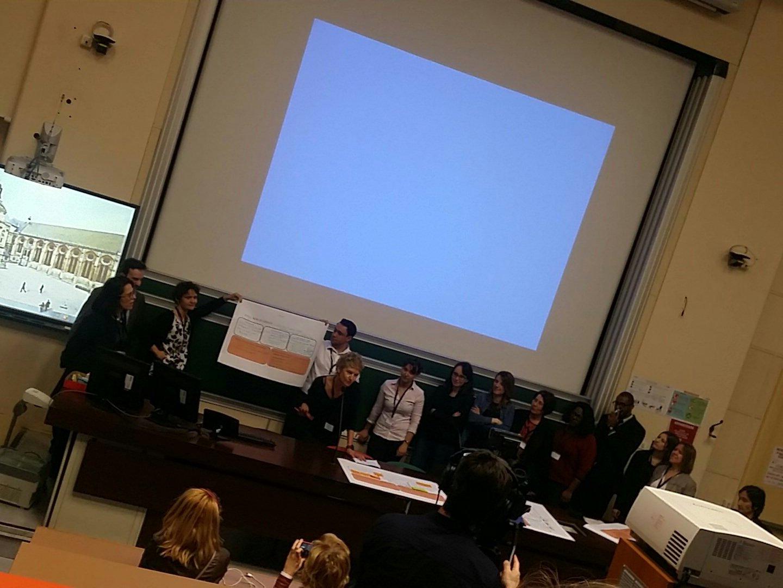 #HLRH2017 @SNCF  presentation #pitch  #process @CecileDej @NetGoldFish #TeamdesMiss @MissMooc https://t.co/zBaMgoC9u4