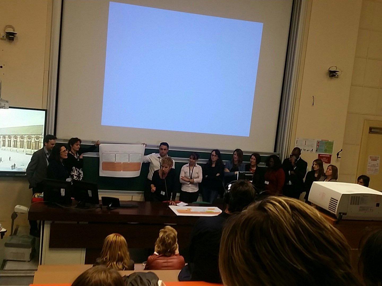 #Hlrh2017 @SNCF Presentation du process produit #hackons les #RH @CecileDej @NetGoldFish @MissMooc https://t.co/eLllGVMGju