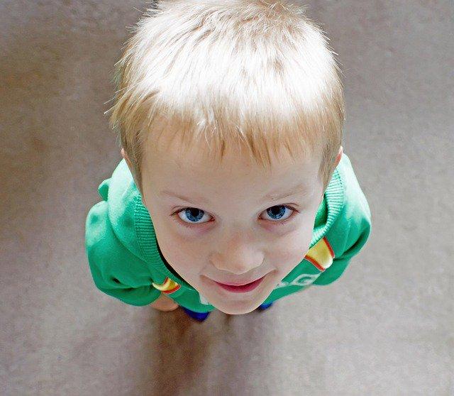 L&#39;importance donnée à la #taille de l&#39;#enfant par les #parents agace souvent les #pédiatres  http:// bit.ly/2nwUViK  &nbsp;  <br>http://pic.twitter.com/kVovOSCWY5