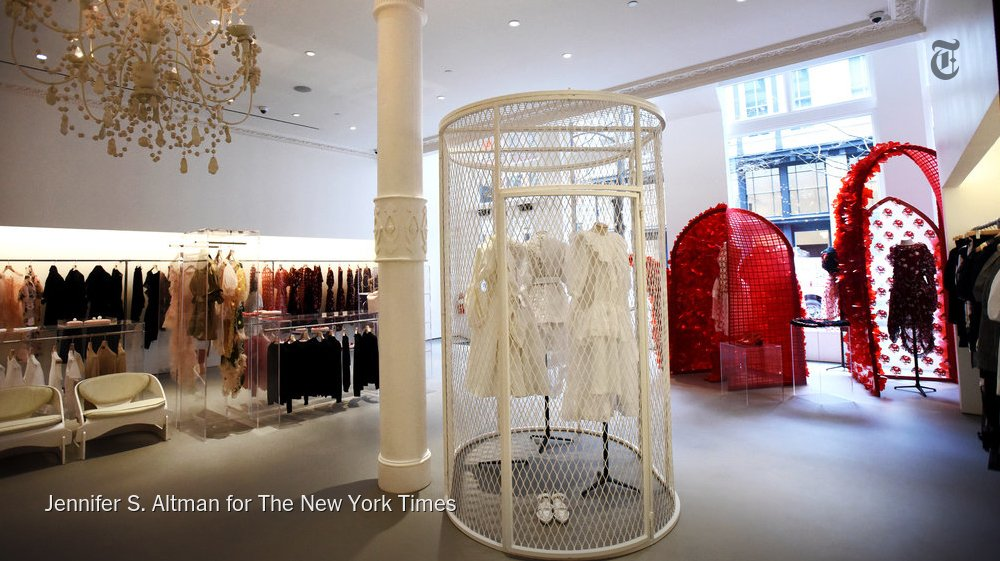 Critical Shopper faces two phobias in, of all places, @simone_rocha_'s bright new store. https://t.co/223KppgtxG https://t.co/oqLtYJcAGa