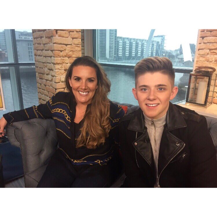 Had a brilliant day at the STV studio With @SamBaileyREAL .. always good to get a catch up 😀❤ https://t.co/nSx8yFXfqw