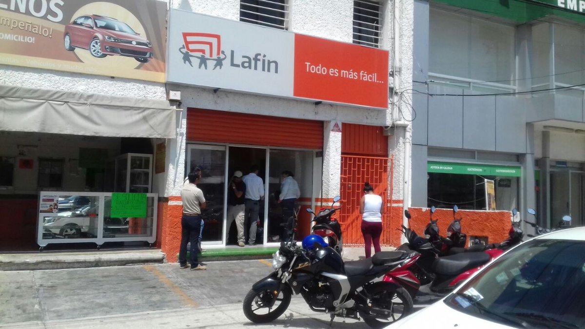 #Ahora   Reporta al #911 robo en financiera de la región 91 mza 60 frente a Chedraui de la #LópezPortillo; 3 mujeres sufren crisis nerviosa. <br>http://pic.twitter.com/lPe4oWlU7t