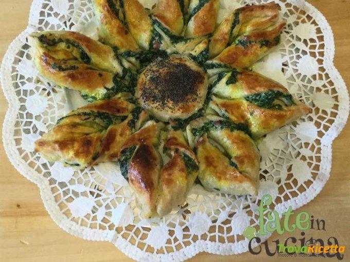 Girasole di Pasta Sfoglia – Torta Salata Creativa