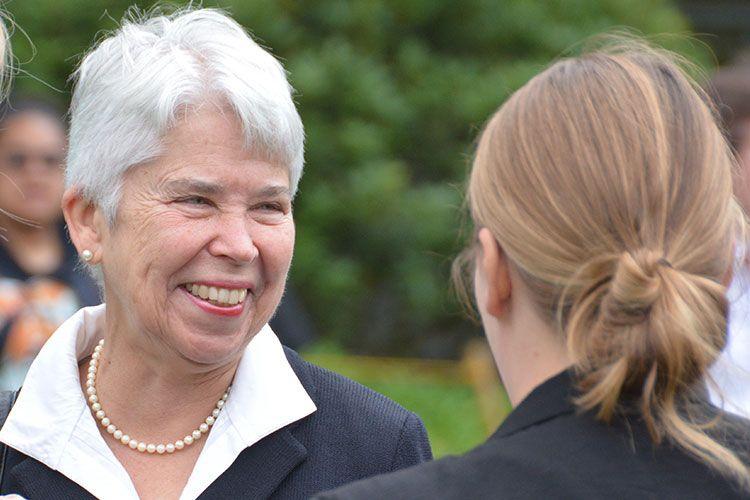 #BREAKING: Carol Christ named UC Berkeley chancellor-designate, pending regents' approval https://t.co/Wh7czeyaTf https://t.co/1Z88Z9J1Nf