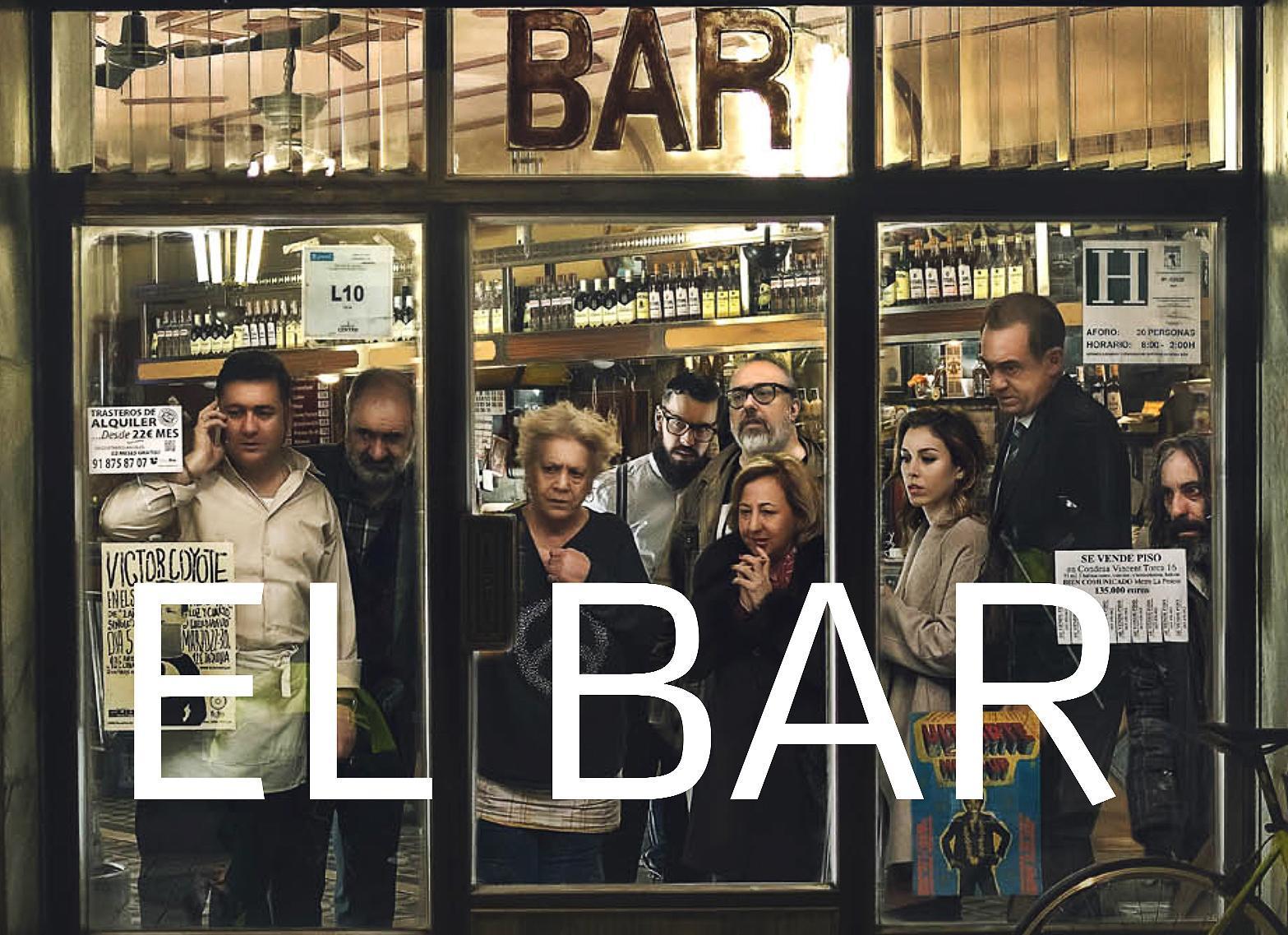 Salimos del pase de prensa de #ElBar otro entretenimiento hilarante e imperdible del genial @alexdelaIglesia  24 de marzo en #estrenos https://t.co/uAdj8mxS8K
