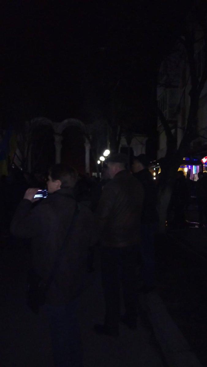 Протестующие зашли в здание Волынской ОГА и требуют освободить задержанных участников блокады на Донбассе - Цензор.НЕТ 5244